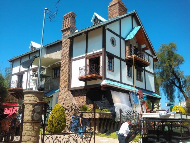 Esta casa en Tequisquiapan, Querétaro, es la locación principal de la película.