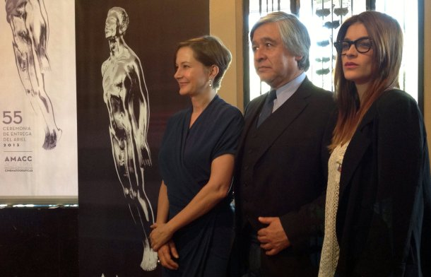 Mónica Dionne e Irene Azuela dieron a conocer a los nominados, acompañadas por Juan Antonio de la Riva, actual presidente de la AMACC
