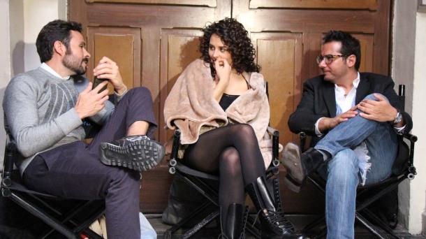 La actriz Zuria Vega, acompañada por dos de los productores: José María Torre y Marco Polo Constandse (Foto: Ismael Barrera)