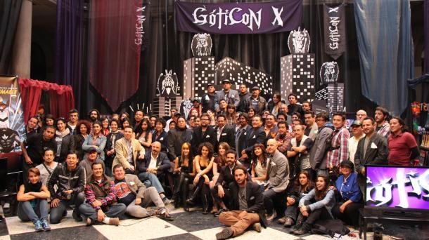 Todo el equipo de 'Más negro que la noche' durante el último día de rodaje (Foto: Ismael Barrera)