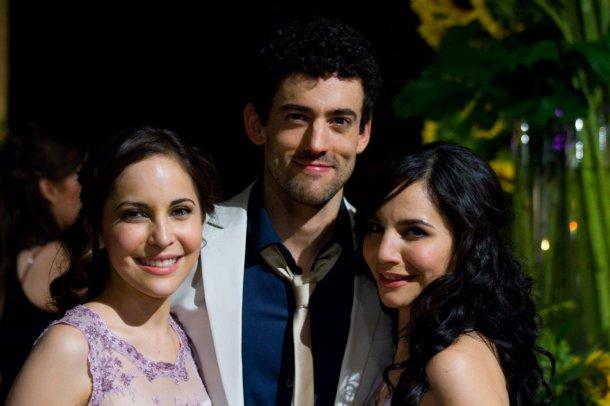 Luis Gerardo Méndez y las hermanas Higareda son los protagonistas